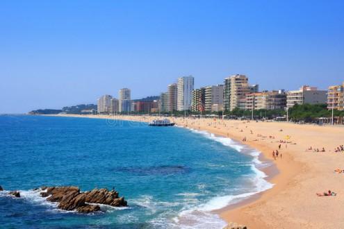 het-strand-van-platja-d-aro-costa-brava-spanje-5645294